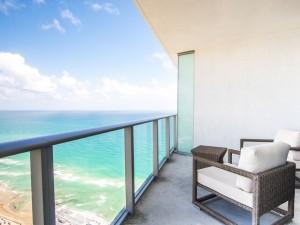 Install Hyde Beach Resort4
